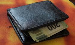 人気のブランド財布のヴィトンのお手入れ方法