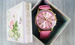 Hのデザインが特徴のエルメスの腕時計のお手入れ
