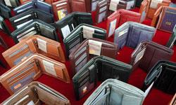 季節によって変わるブランド財布の保管の仕方