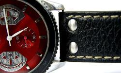 自分を表現するなら、年齢にふさわしい腕時計で。
