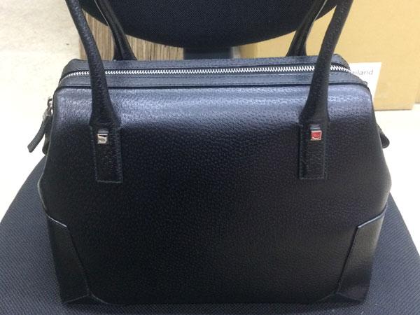 フェラガモ・レザーのハンドバッグを買取 神戸 兵庫店