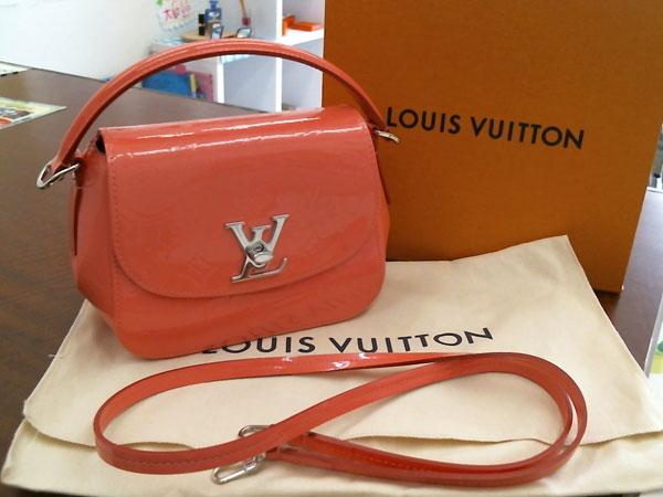 ヴィトン・ヴェルニ・パサデナ・ホットピンクのハンドバッグを買取|神戸|神戸店