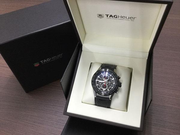 タグホイヤー・キャリバーホイヤー01の腕時計を買取 広島 広島上安店