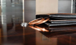 エルメスの財布、パーツ修理は依頼できる?