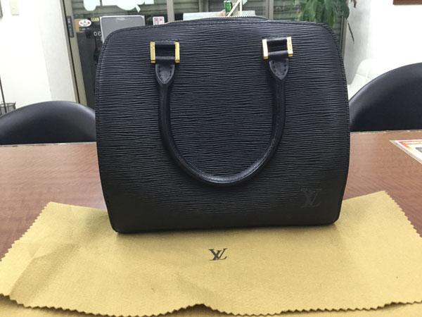 ヴィトン・エピ・ポンヌフノワールのバッグを買取 神戸 神戸店