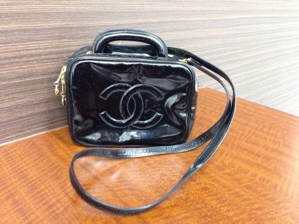 シャネル・エナメル・バニティ・2wayのバッグを買取 神戸 東灘店