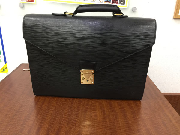 ヴィトン・エピ・アンバサダーのバッグを買取 神戸 垂水店
