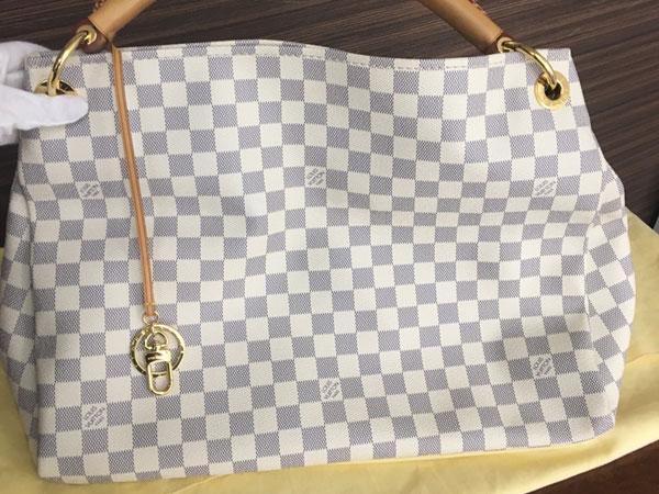 ヴィトン・アズール・アーツィーのバッグを買取 横浜 大倉山店