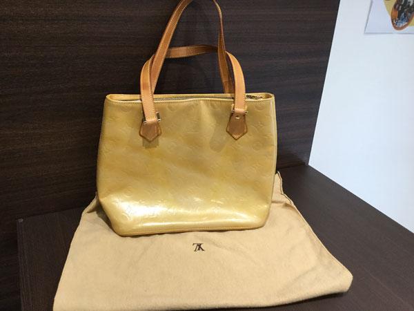 ヴィトン・ヴェルニ・ヒューストンのバッグを買取 大阪 天六店