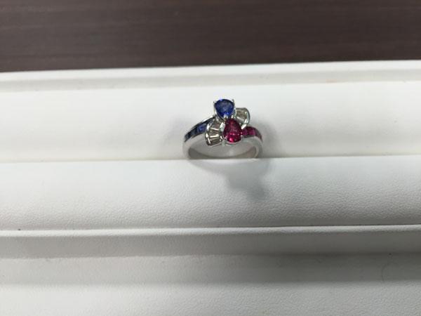 Pt900・ダイヤモンド・ルビー・サファイヤのデザインリングを買取 梅田 塚口店