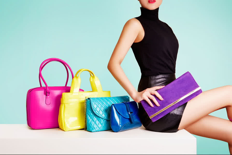 海外ブランド品の購入方法とそれぞれのメリット
