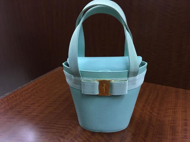 フェラガモ・バケツ型のハンドバッグを買取|名古屋|名古屋瑞穂店