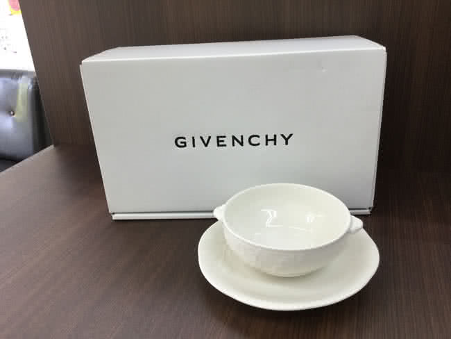 ジバンシーの陶器セットを買取 大阪 茨木店