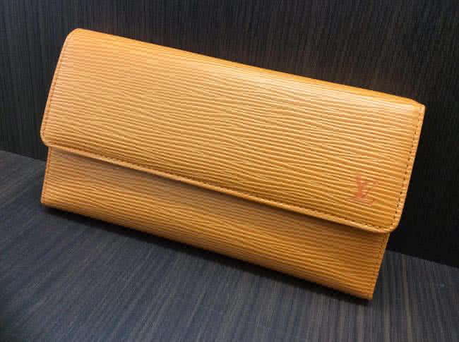 ヴィトン・エピ・ポルトトレゾール・インターナショナルの財布を買取 梅田 都島店