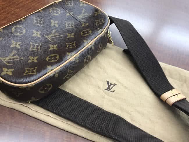 ヴィトン・モノグラム・ポシェットガンジュのバッグを買取|名古屋|名古屋大曽根店