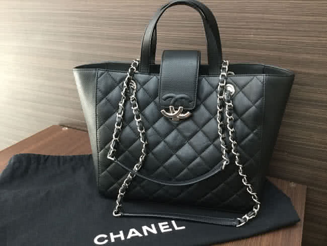 シャネル・グレインドカーフスキン・2wayのバッグを買取|大阪|谷町店