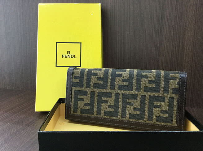 フェンディ・財布を買取 大阪府 茨木店