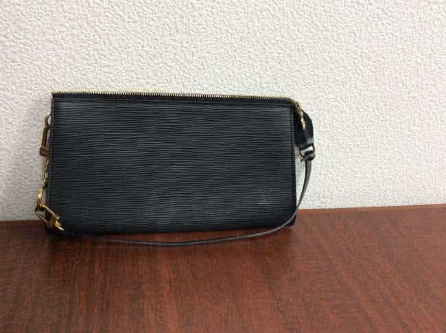 ヴィトン・エピ・アクセソワールのバッグを買取 名古屋 名古屋昭和店