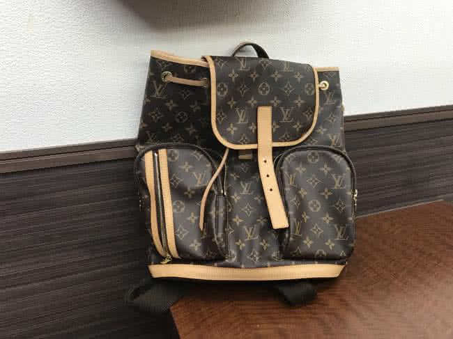 ヴィトン・モノグラム・サックアドボスフォールのバッグを買取|名古屋|名古屋藤が丘店