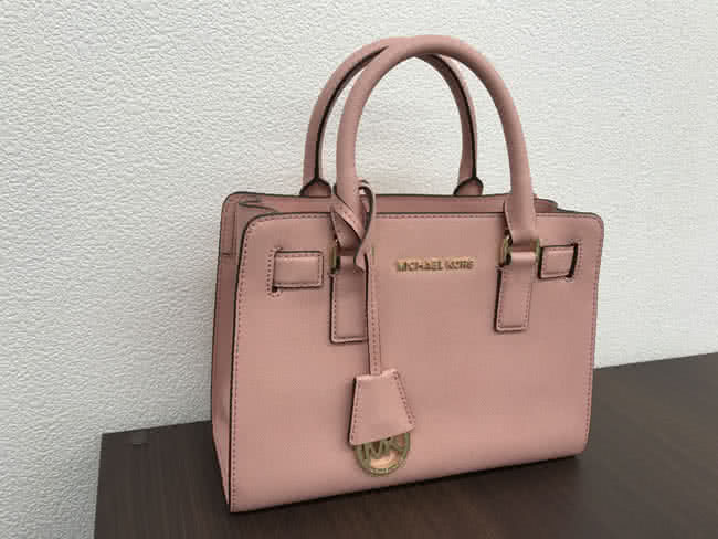 マイケルコースのレザーバッグを買取 名古屋 名古屋本山店