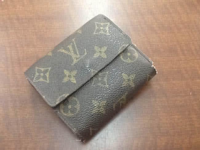 ヴィトン・モノグラム・Wホックの財布を買取 大阪 豊中店
