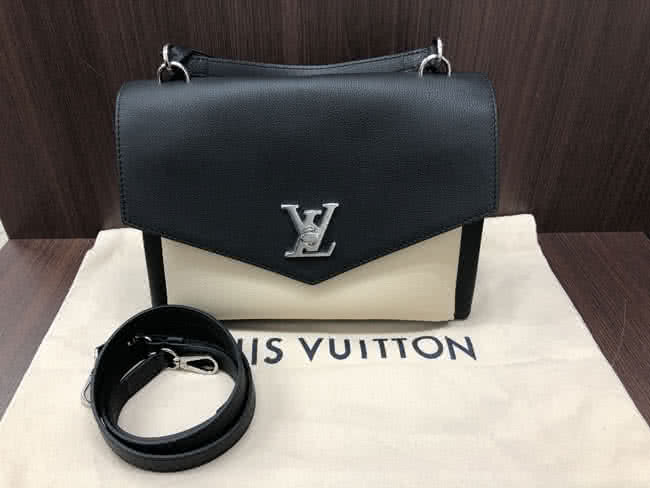 ヴィトン・マイロックミーのバッグを買取|横浜|たまプラーザ店