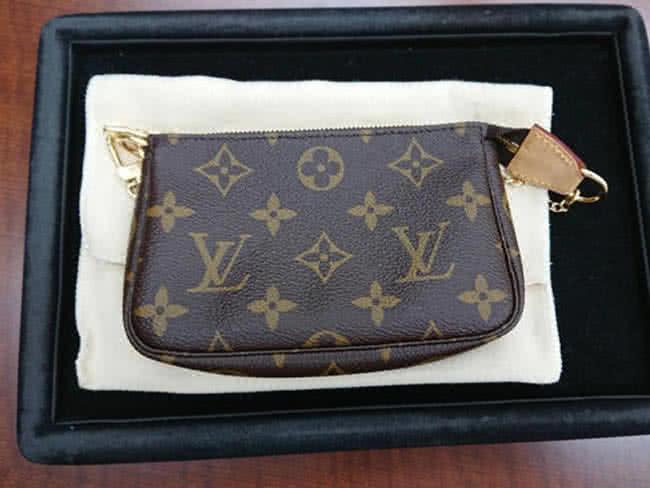 ヴィトン・モノグラム・ポシェット・アクセソワールのバッグを買取|川崎|鷺沼店