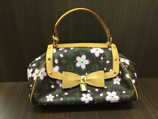 ヴィトン・モノグラムチェリーブロッサム・サックレトロのバッグを買取 横浜 たまプラーザ店