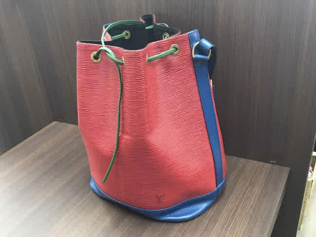 ヴィトン・エピ・ノエ・トリコロールのバッグを買取 名古屋 名古屋平針店