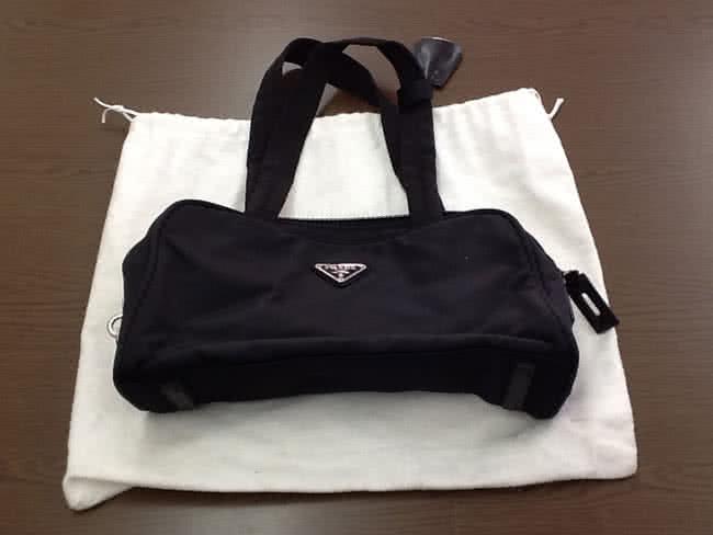 プラダ・ナイロンのバッグを買取|大阪|箕面店