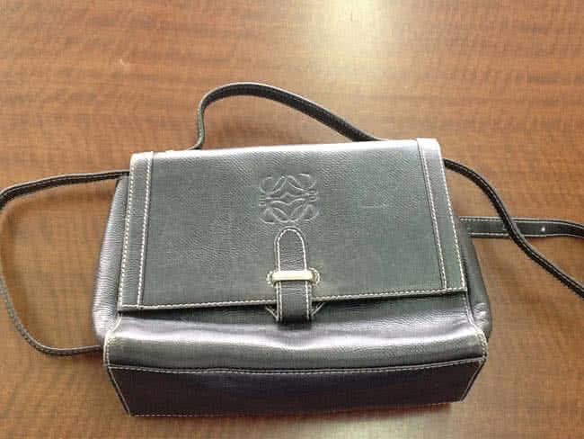 ロエベ・レザーのショルダーバッグを買取|大阪|吹田店