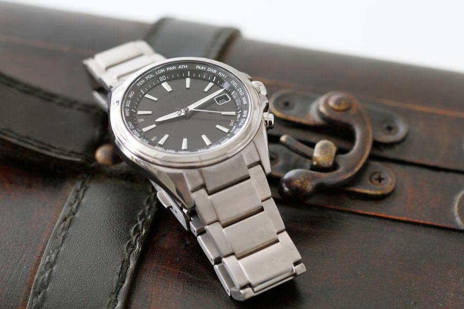 防水腕時計はどんなシーンに耐えられる?~濡れた後のお手入れは?