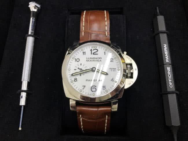 パネライ・ルミノールマリーナ・PAM00523の腕時計を買取 名古屋 名古屋中村店