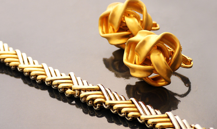 貴金属とは?該当する金属の種類と代表的な製品