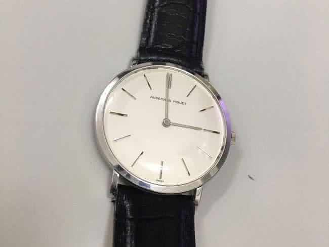 オーデマピゲ・手巻き式・純正部品付の腕時計を買取|三河|安城店