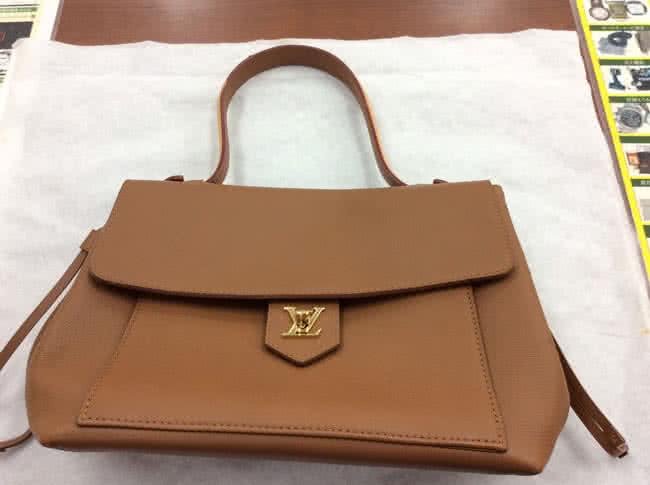 ルイヴィトン・ロックミーPMのバッグを買取 岡崎 東岡崎店