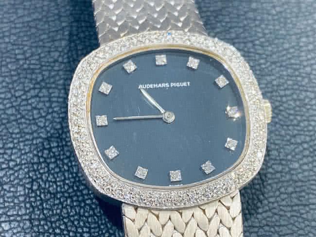 オーデマピゲ・12PD・ベゼル2重ダイヤ・レディース・750WGの無垢時計を買取|東京・豊島区|大塚店