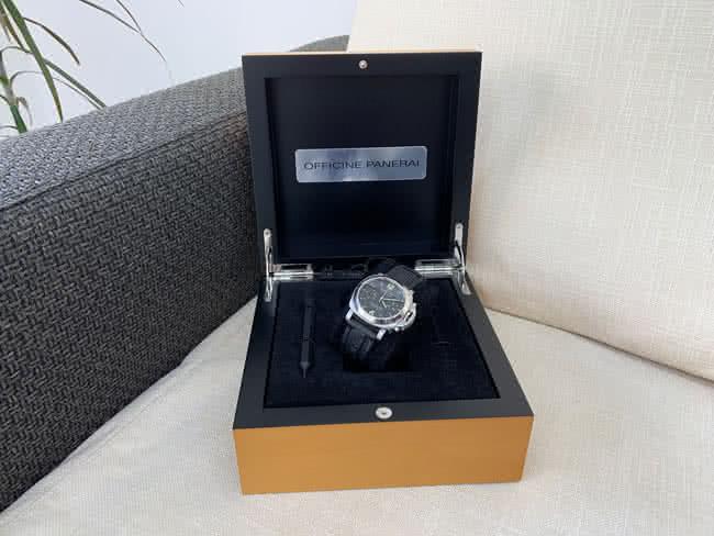 パネライ・クロノグラフの腕時計を買取|横浜|大倉山店