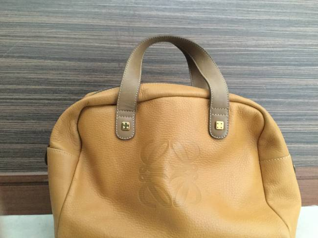 ロエベ・レザー・ハンドバッグを買取|神戸|神戸店