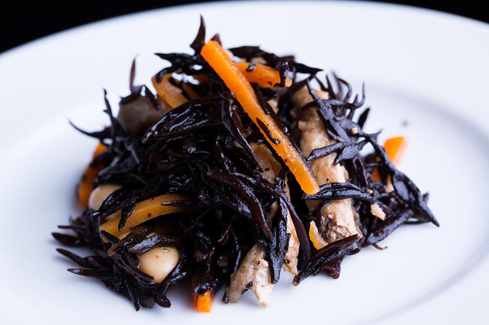和食の定番「ひじきの煮物」も冷凍で