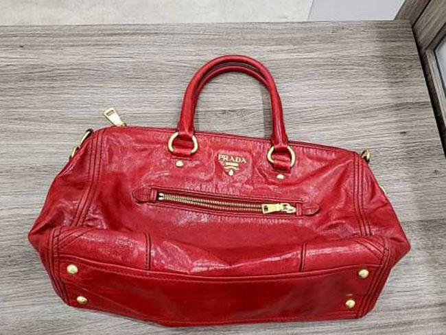 プラダ・レザー・ハンドバッグを買取 東京・港区 白金台プラチナ通り店