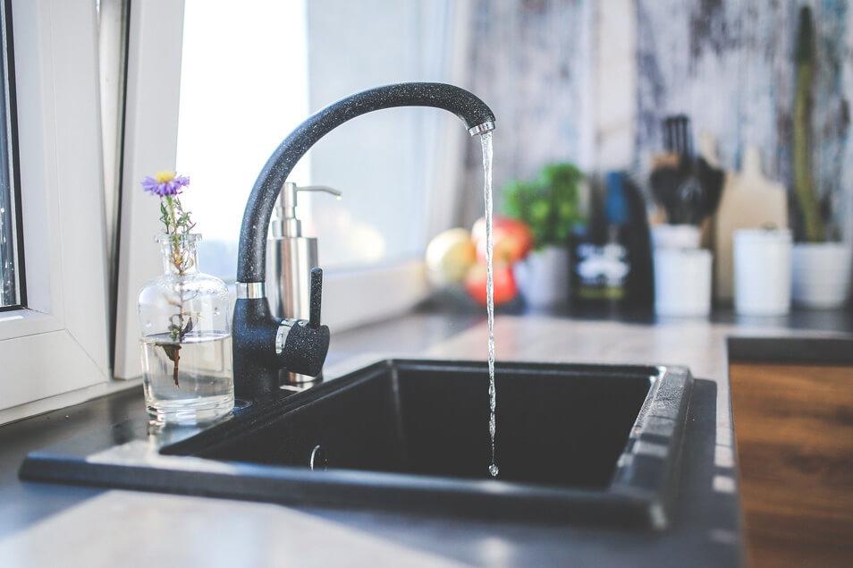水回りはハウスクリーニングに任せるべき!?良い業者の選び方のコツ