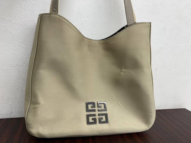 ジバンシィ・レザー・ワンショルダー・ロゴを買取 広島 広島中央店