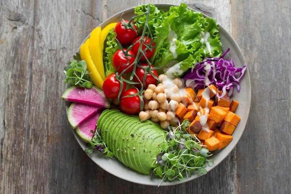 プラントベースってなに?地球と人にやさしい植物由来の食事法