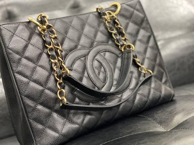 シャネル・チェーントートバッグを買取 神戸 西明石店