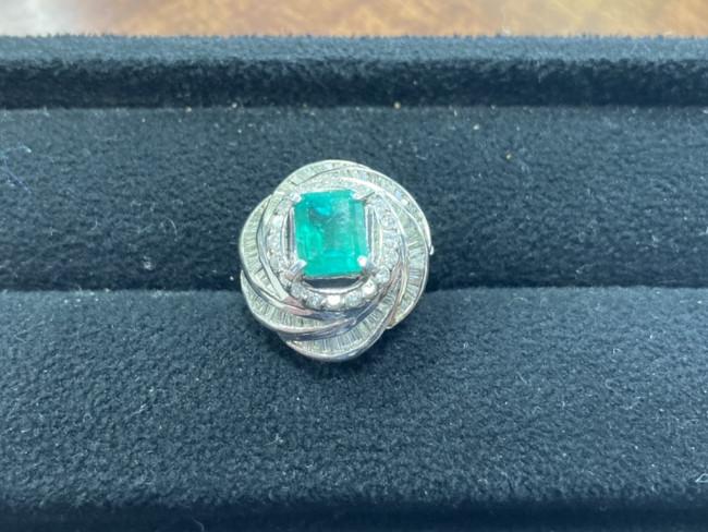 ジュエリー・エメラルド×ダイヤモンド・リングを買取 横浜 横浜センター南店