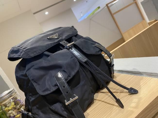 プラダ・ナイロン・リュックを買取 東京・台東区 上野マルイ店