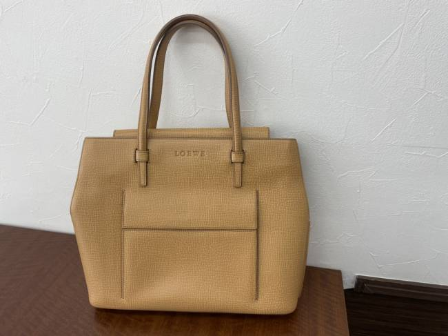 ロエベ・レザー・ハンドバッグを買取|名古屋|名古屋香流店