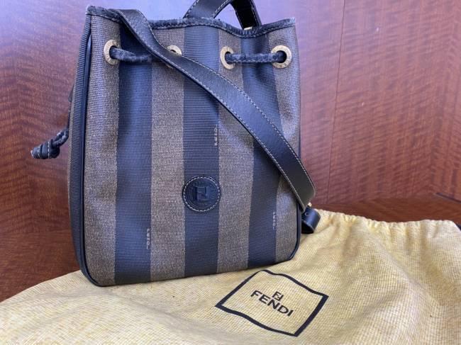 フェンディ・ペカン・巾着・ショルダーバッグを買取|広島|廿日市宮内店