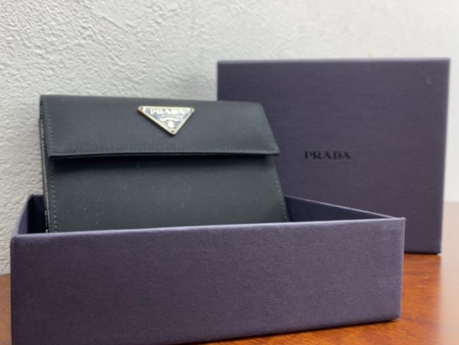 プラダ・Wホック・財布を買取 神戸 西宮北口店